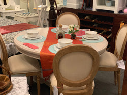 01 Member Special - French Queen Anna Round Dining Set of 4 French Medallon Chair Package ( Picture and Illustration for Reference Only ) ( White Wash Colour and Brown Chair )