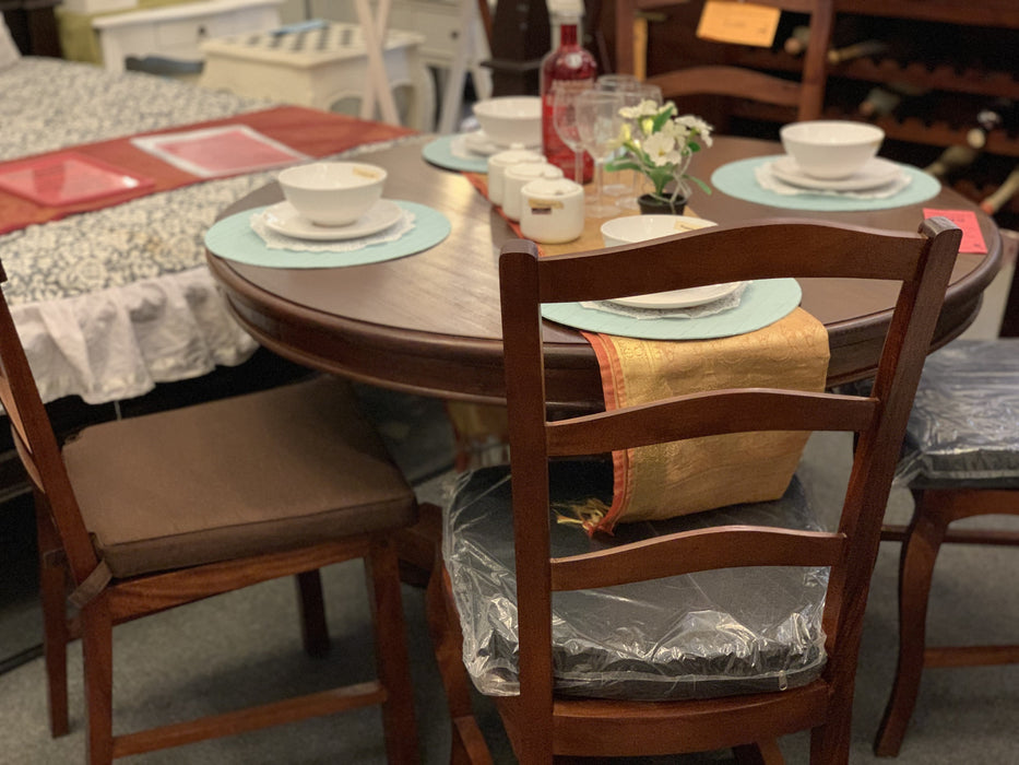 Member Special - Teak French Queen Anna Round Dining 140 cm DT 140 Set of 6 Somerton Chair Package (Picture for Reference only ) ( Mahogany Colour )