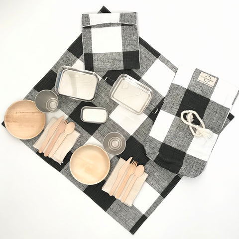 PICNIC FOR TWO / BLACK AND WHITE BUFFALO CHECK