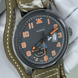 Doxa Pilot D213GGY Limited Edition Fliegeruhr Detail