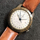 Glycine Airman Vintage The Chief GL0245 GMT Champagner Automatik Herrenuhr Detail