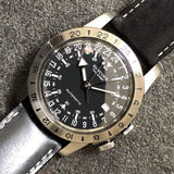 Glycine Airman Vintage The Chief GL0246 GMT Schwarz Automatik Herrenuhr Detail