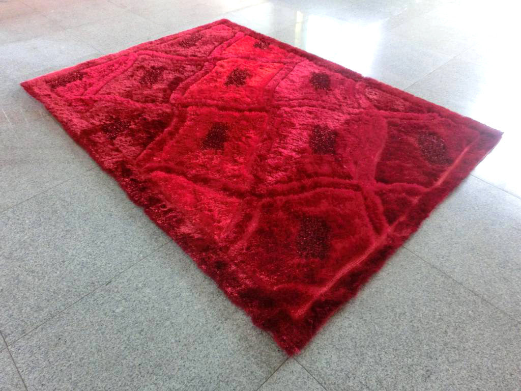 B80 Red Area Rug