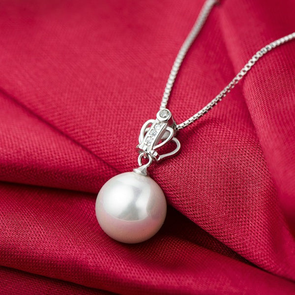 Elegant princess crown shell pearl necklace in sterling silver