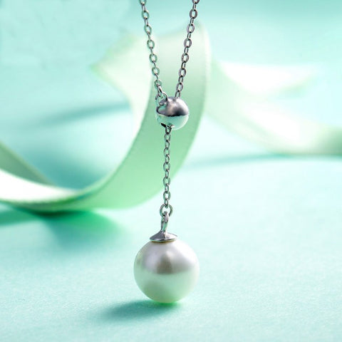 Classic round  shell pearl necklace in sterling silver