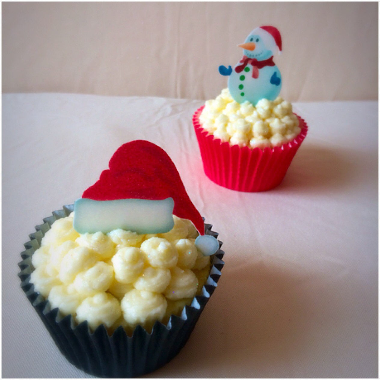 Stand up santa hat cupcake toppers