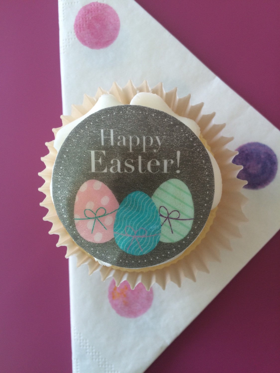 Easter Egg Cupcake Toppers to decorate your easter baking