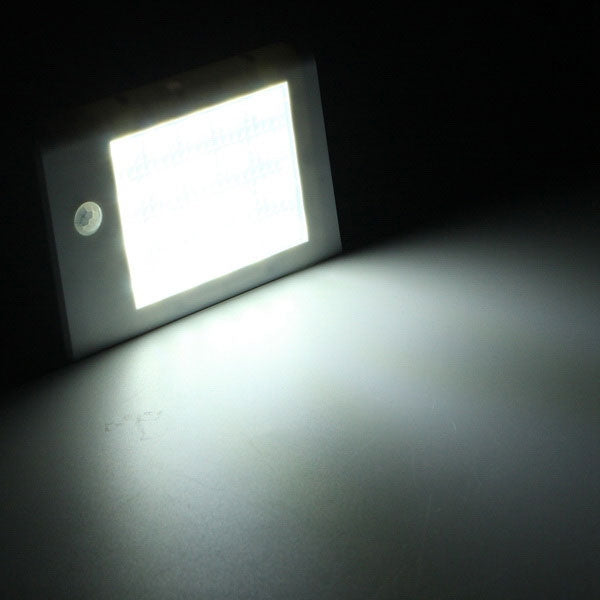 Garden Solar PIR Infrared Induction 20-LED White Lamp Superbright Courtyard Wall Light White