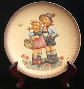 Hummel Friends Forever Surprise Hansel and Gretel Plate