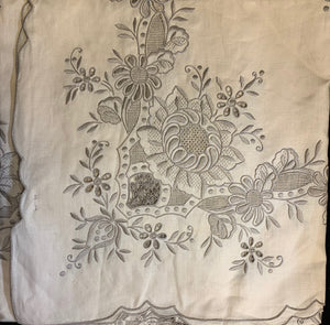 Hand-Embroidered Linen Tablecloth Set