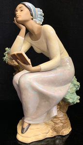 Lladro Poetic Moment