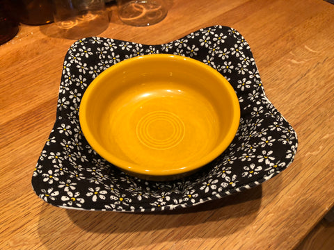 Microwave Bowl Holder - Mini Daisy/Checked
