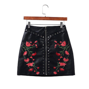 BLACK MINI SKIRT ARTIFICIAL SKIN EMBROIDERY FLOWERS