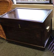 Deluxe Large Tack Trunk w/ Deep Bandage Lid