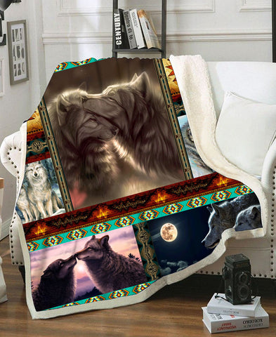 Native Loving Wolves Fleece Blanket