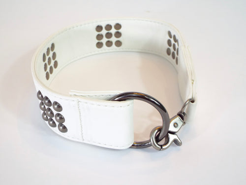 White leather belt with Domino Pattern