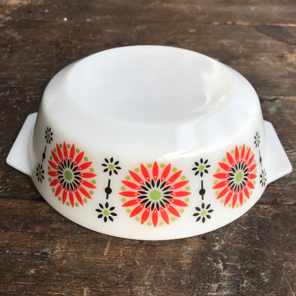 509 JAJ  Pyrex Orange Medallion Casserole