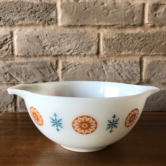 JAJ Pyrex ' Morning Star' Cinderella bowl