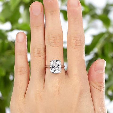Luxurious Cushion Cut Engagement Ring 6 carat