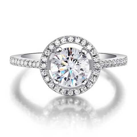 Magnificently refined, engagement ring
