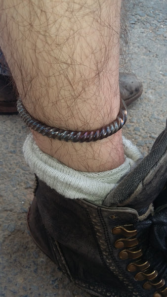 PERMANENT Twisted Ankle Shackle !!!!