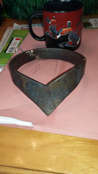 V-Shaped Collar