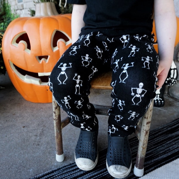 Glow in the Dark Dancing Skeleton Leggings