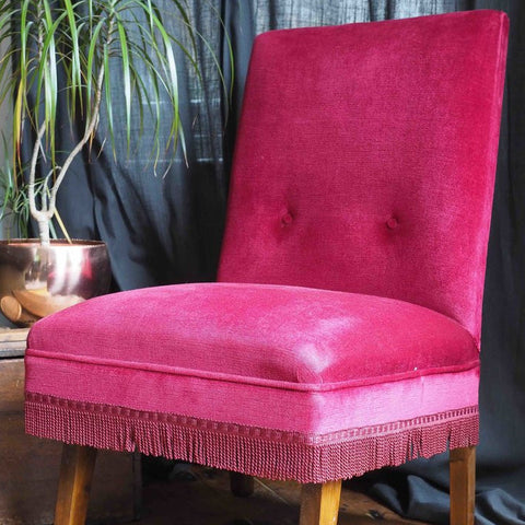 CRIMSON RED LOUNGE CHAIR