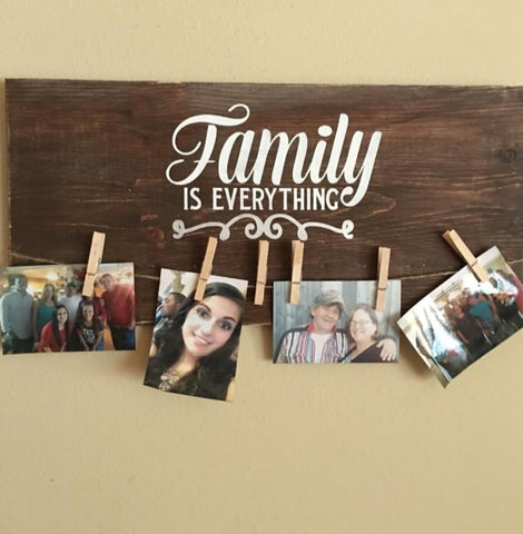 SIGN Design - Family is Everything Photo hanger