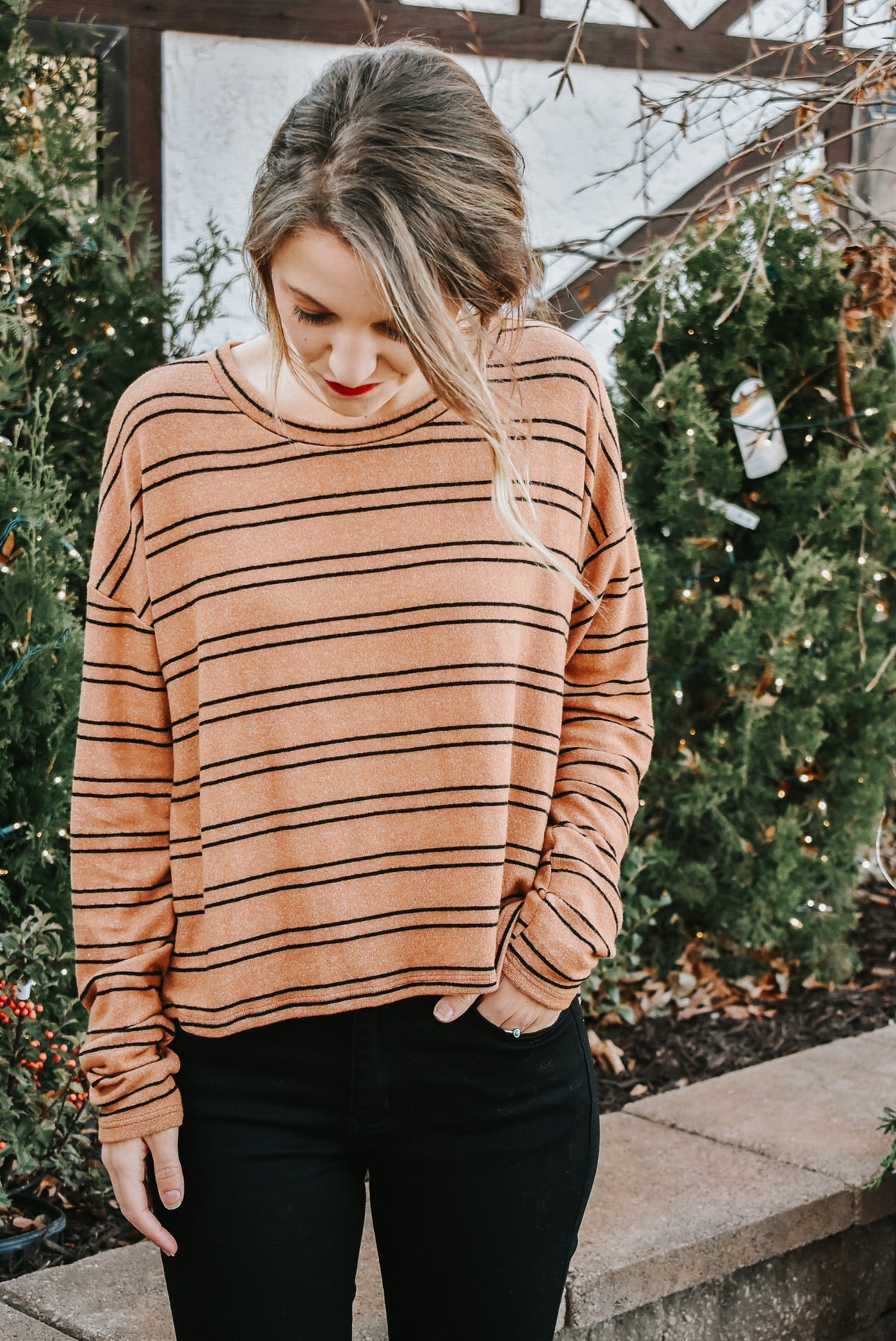 EVENLY STRIPED TOP-CAMEL