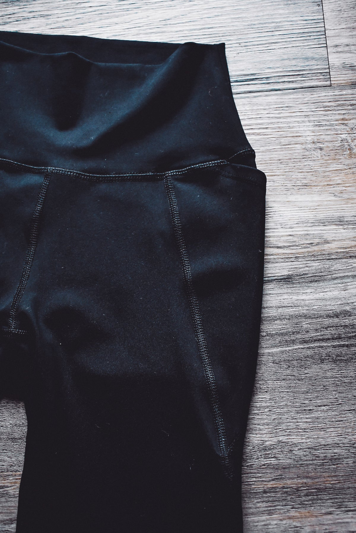 SIDE POCKET LEGGINGS-BLACK