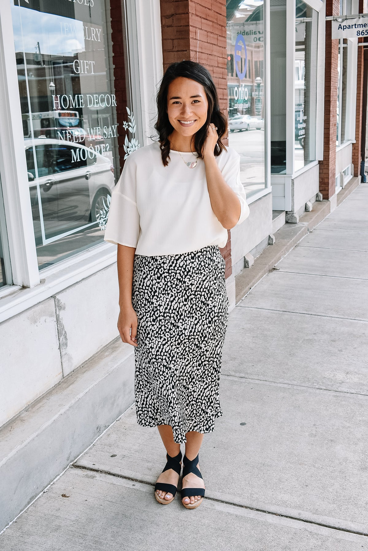 LEOPARD MIDI SKIRT-BLACK