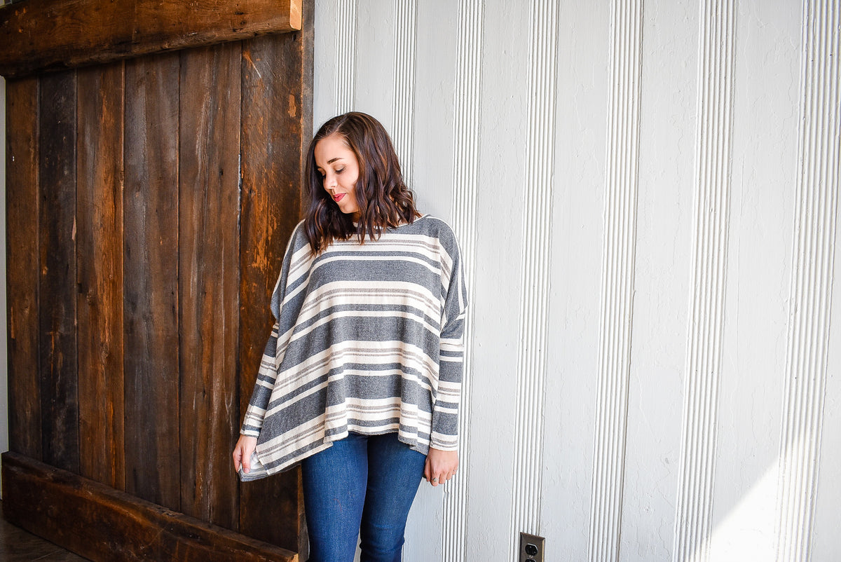 SOFTY STRIPED TOP-GREY