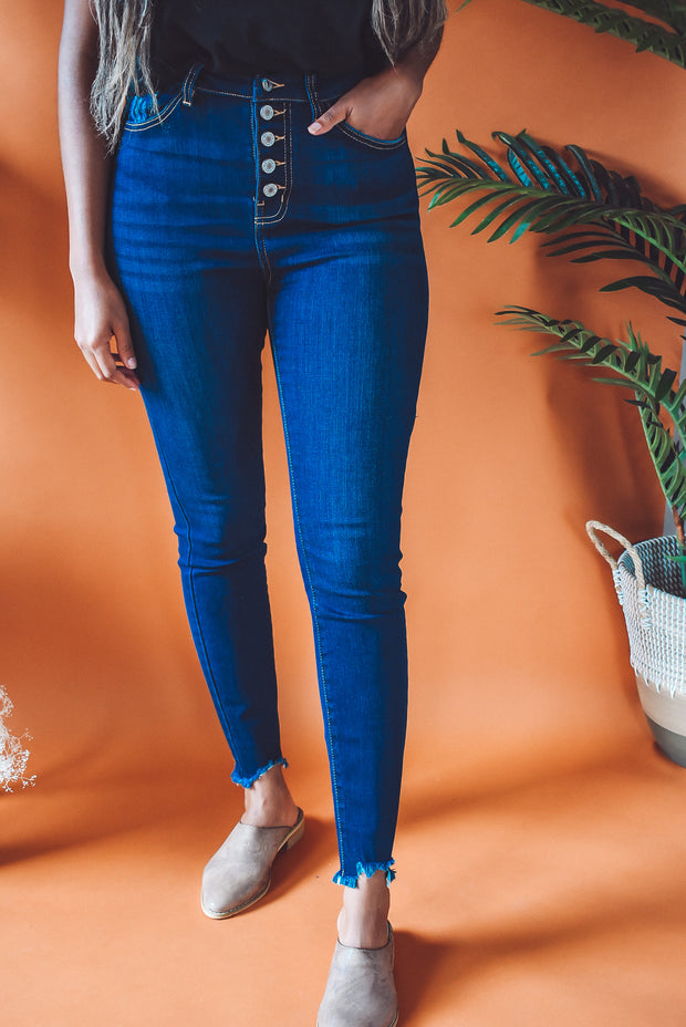 HIGH-WAISTED BUTTON SKINNY JEANS