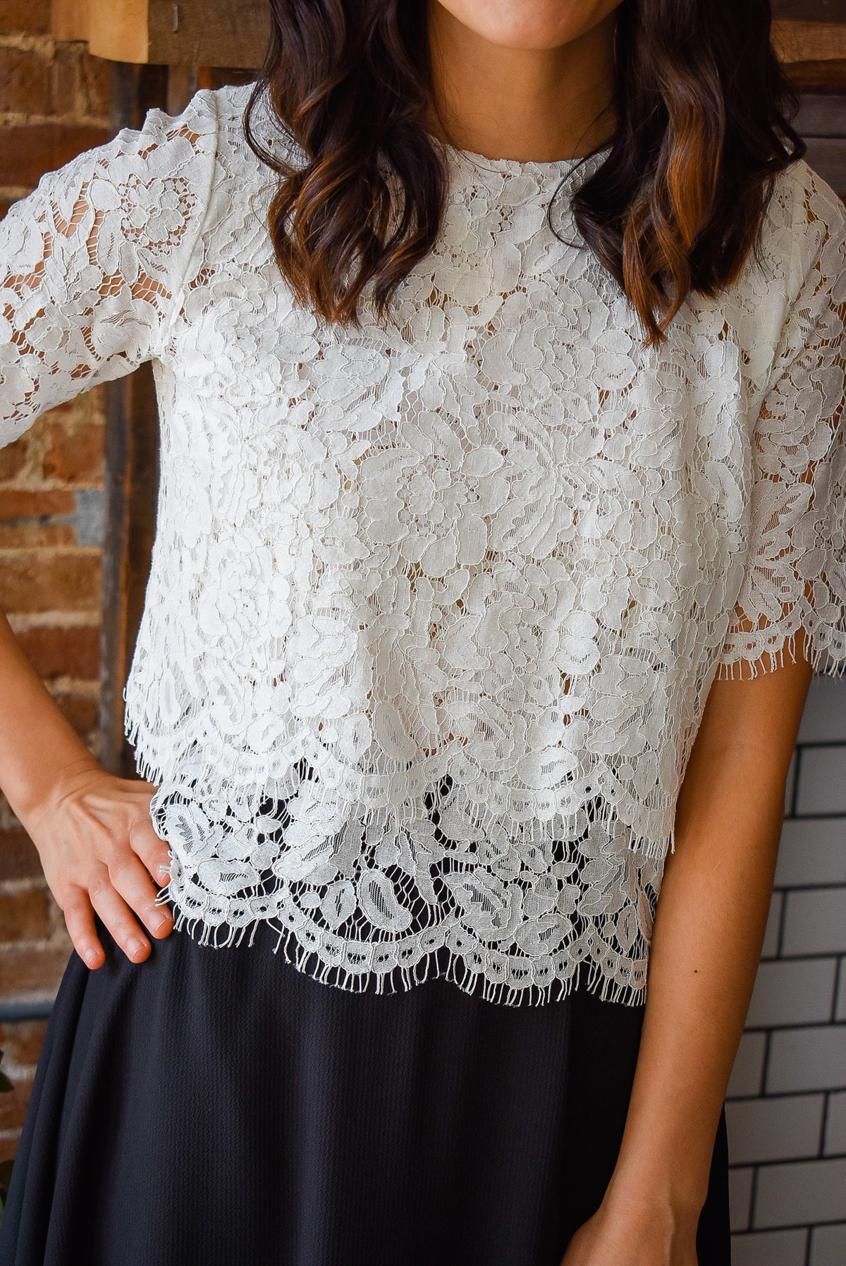LACE CROP TOP-WHITE
