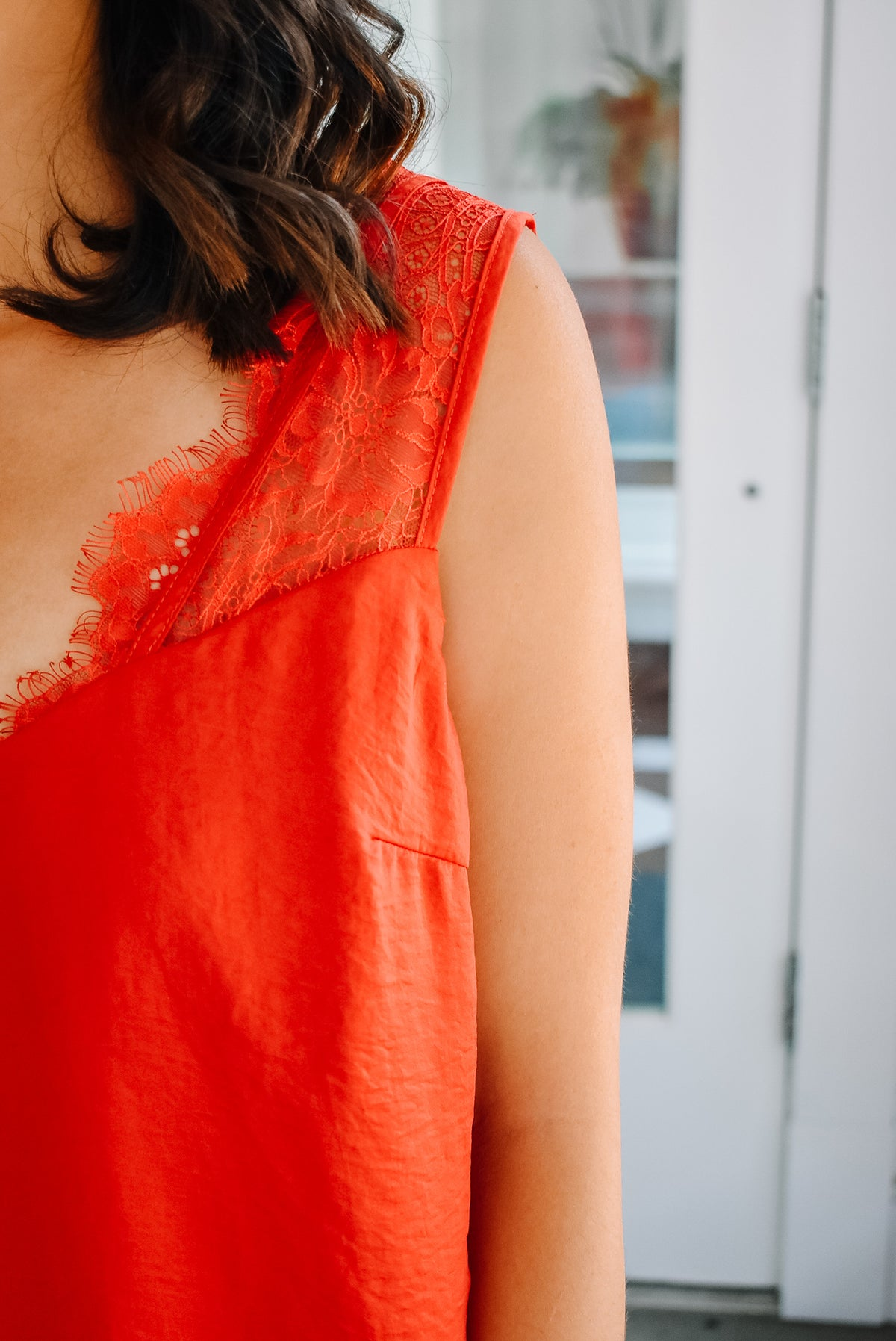 LACE STRAP TANK-RED