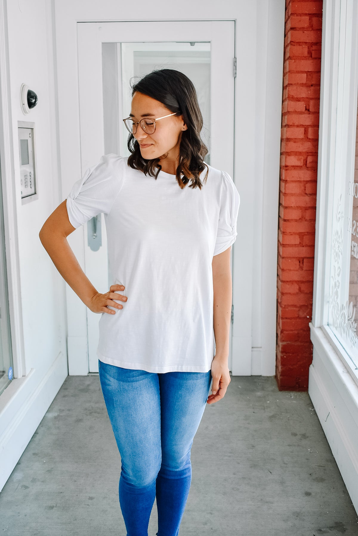 RUCHED SLEEVE TEE-WHITE