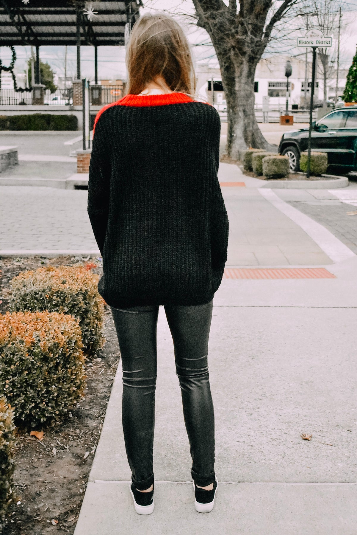 COLORBLOCK SWEATER - RED/WHITE/BLACK