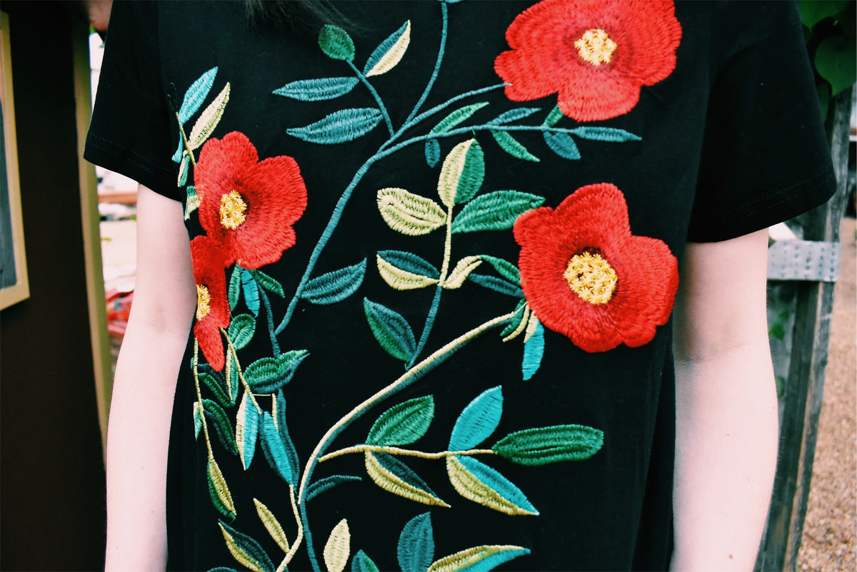 RED FLORAL EMBROIDERED TEE - BLACK *FINAL SALE