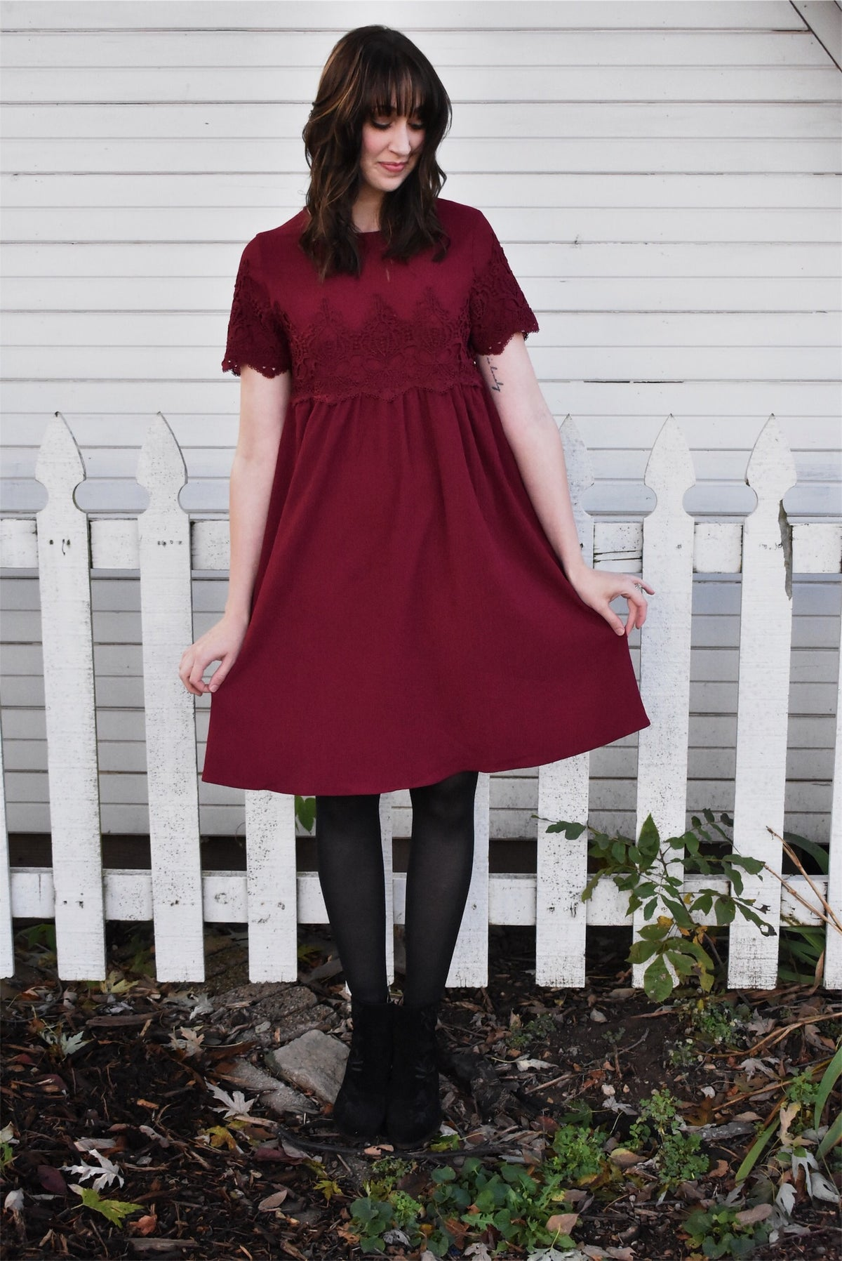 SHORT SLEEVE LACE DRESS-BURGUNDY