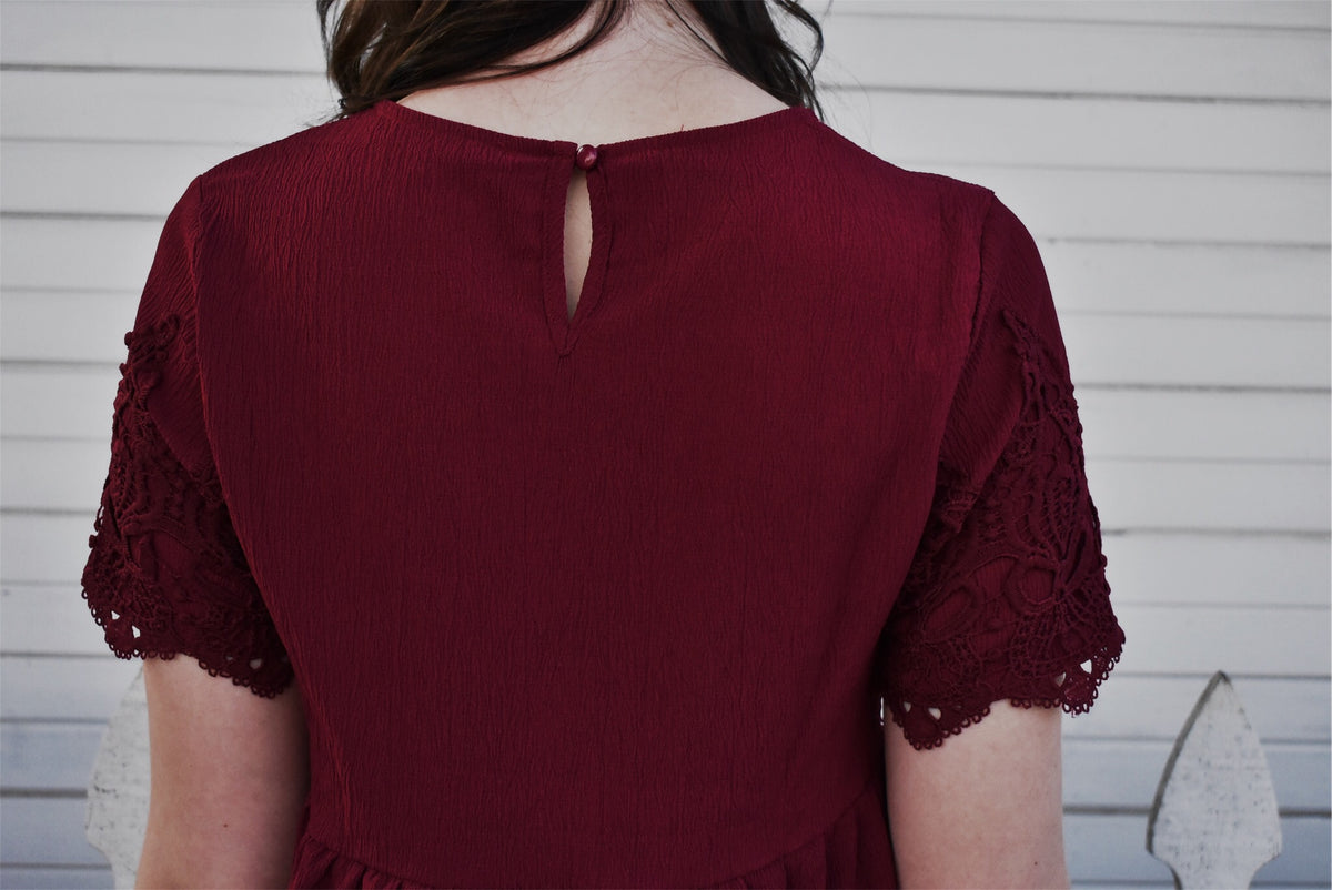 SHORT SLEEVE LACE DRESS - BURGUNDY *FINAL SALE