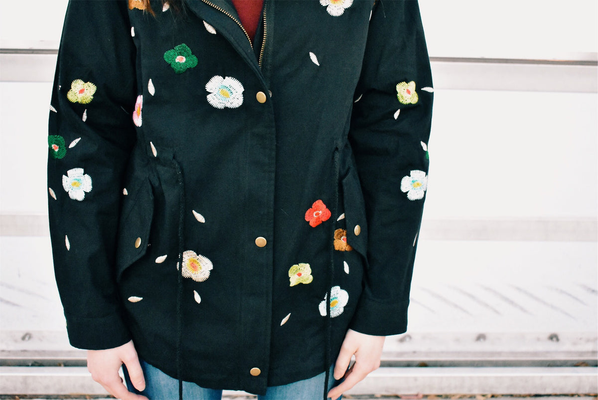 EMBROIDERED FLORAL JACKET-BLACK