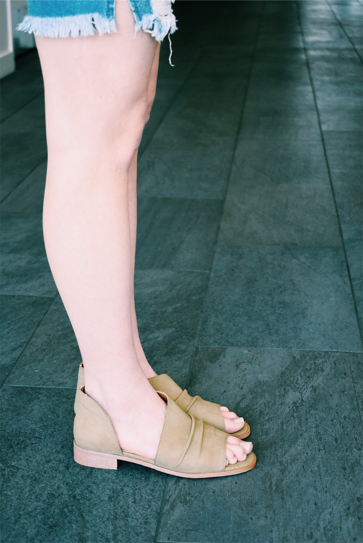 RILEY SANDALS IN KHAKI - FINAL SALE