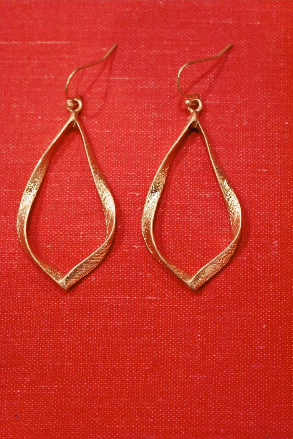 EARRINGS - GOLD WHIMSY TEARDROP
