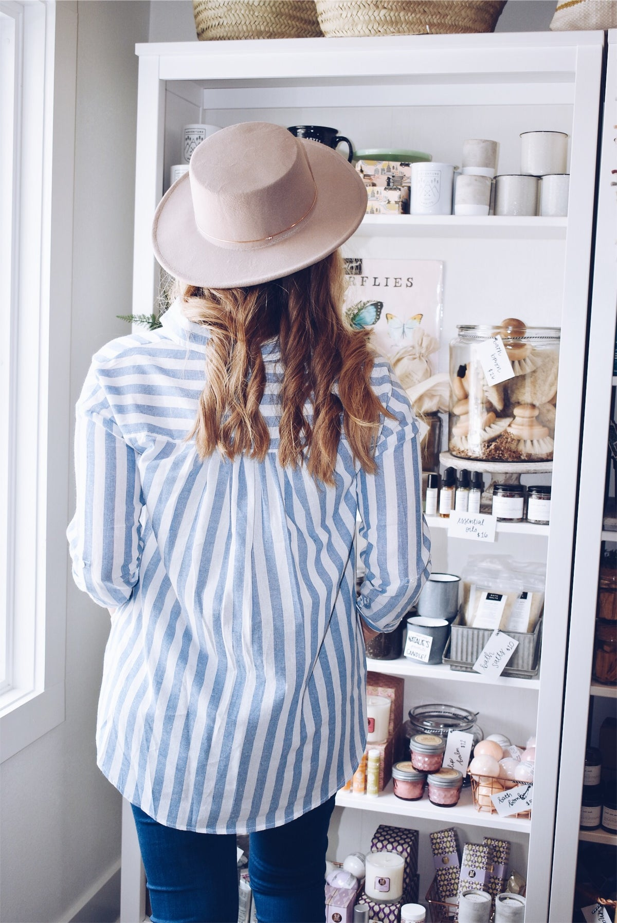 BLUE STRIPE BUTTON-UP