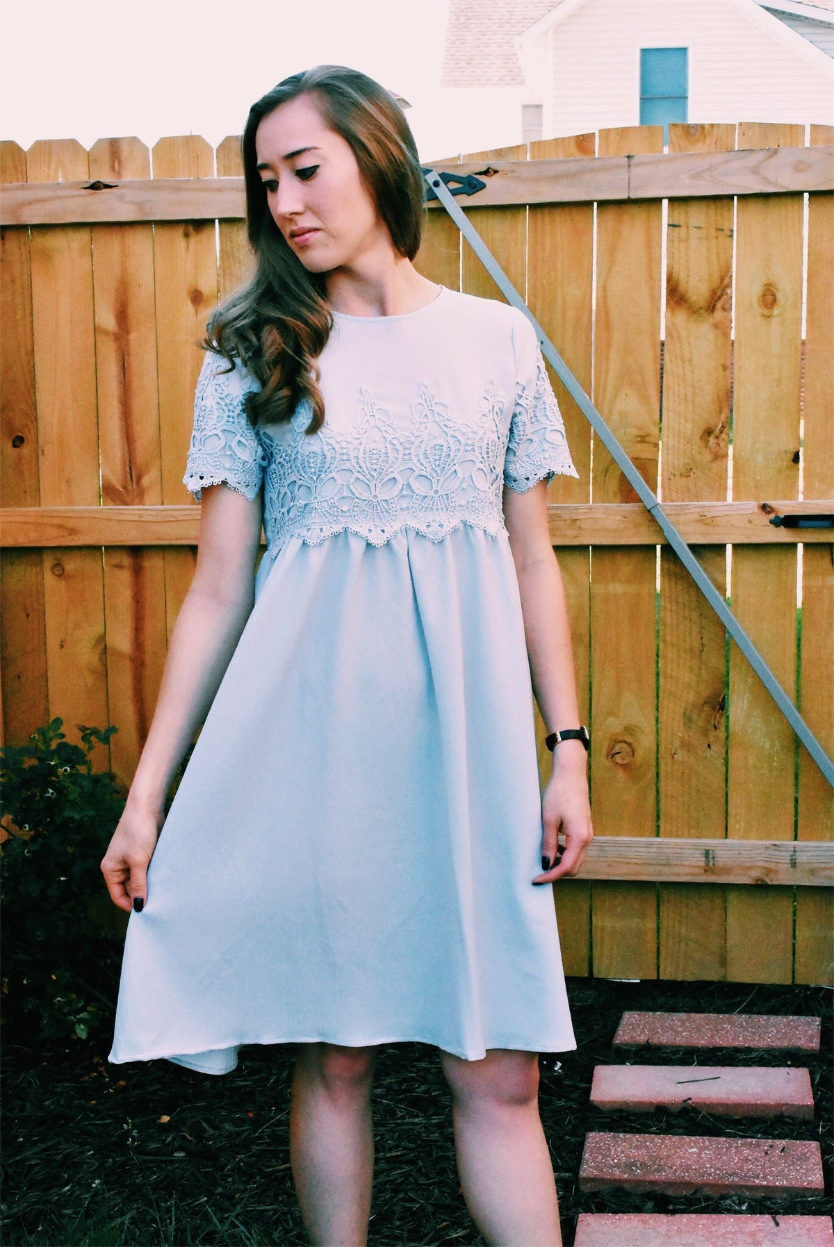 SHORT SLEEVE LACE DRESS - BLUE