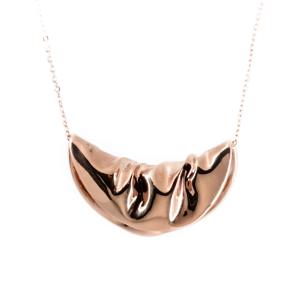 PLAITLY Plié Circle Pendant Necklace