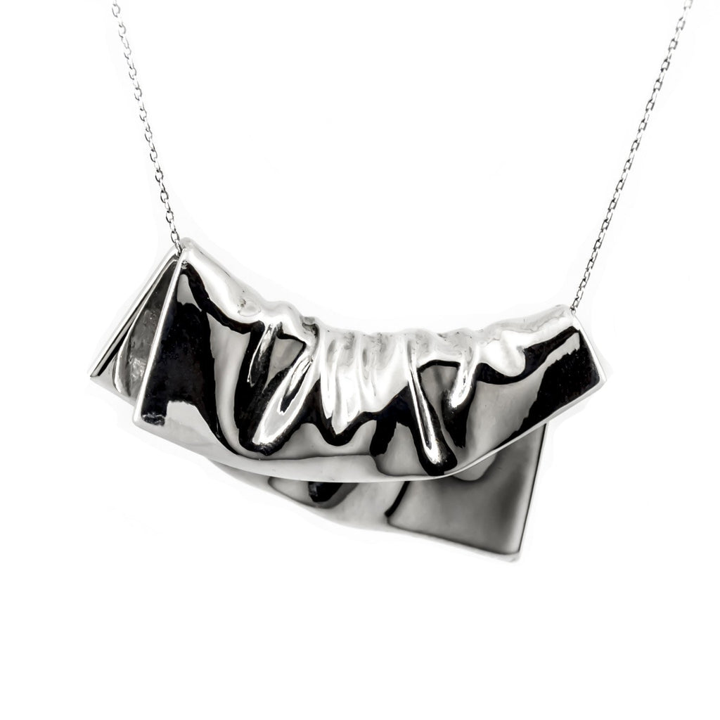 PLAITLY Plié Square Pendant Necklace