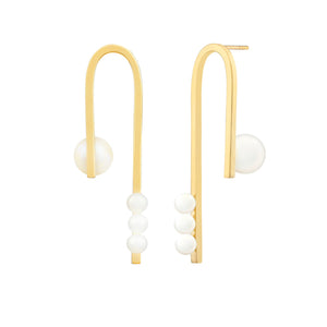 [in]trigue Voyage Pearl U Earrings - Gold-Earrings-DREEMS
