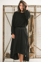Joplin black pleated skirt